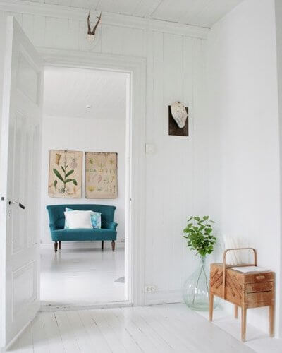 The Look Can Be Achieved With Both Modern Furniture Or More Classically Styled Quirky Pieces As In Image Above Because White Wood And Walls Allow