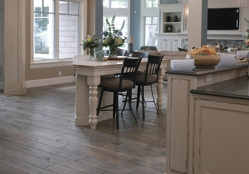 Rustic Hardwood Floors - Rustic Wood Flooring Ideas: 6 Ways To Create That Lived-in Feel